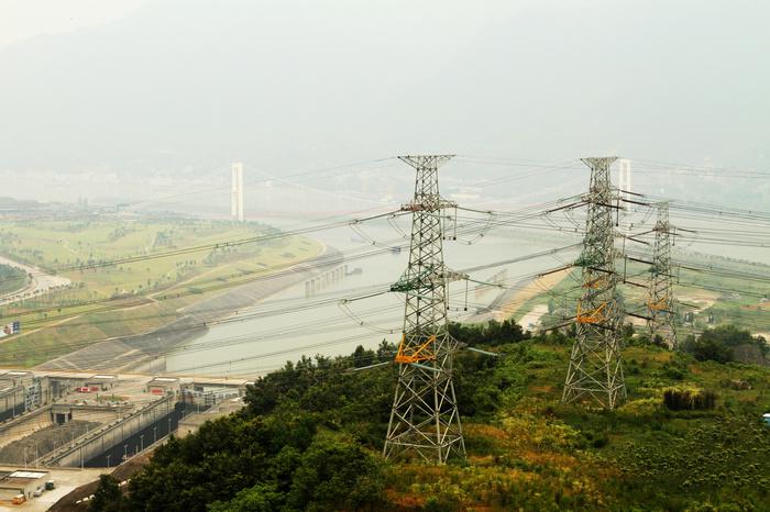 三峡库区电塔
